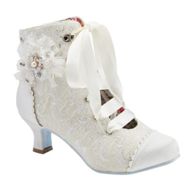 Hitched Boot 1 (Medium)